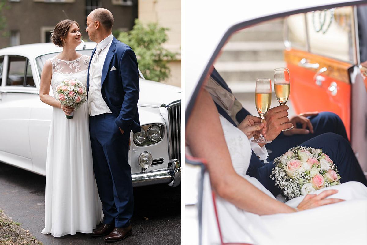 Hochzeitsfotos Braut und Bräutigam in Hochzeitsauto - Hochzeitsvilla Zehlendorf Hochzeitsfotograf © www.hochzeitslicht.de