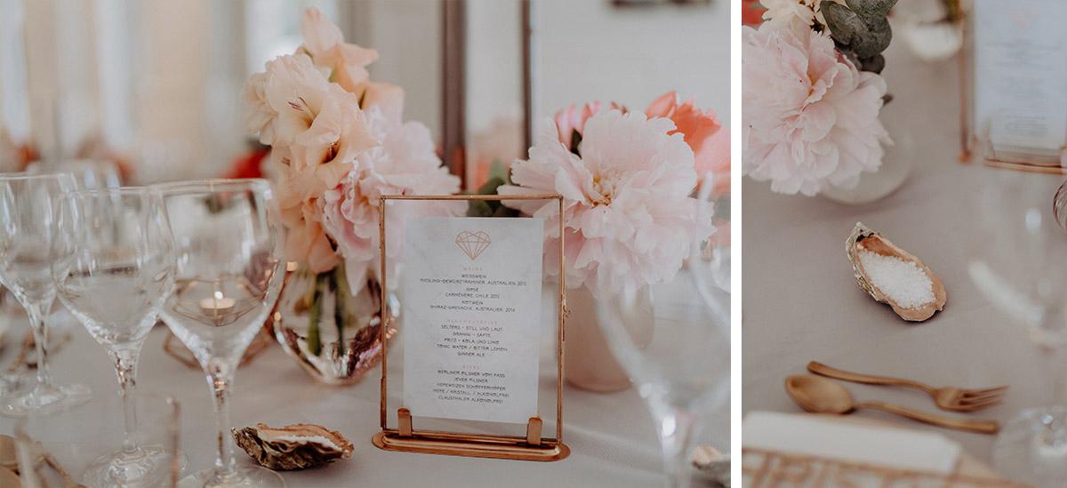 Tischdekoration Kupfer und Muscheln elegante Boho Hochzeit - Villa Blumenfisch Berlin Hochzeitsfotograf © www.hochzeitslicht.de