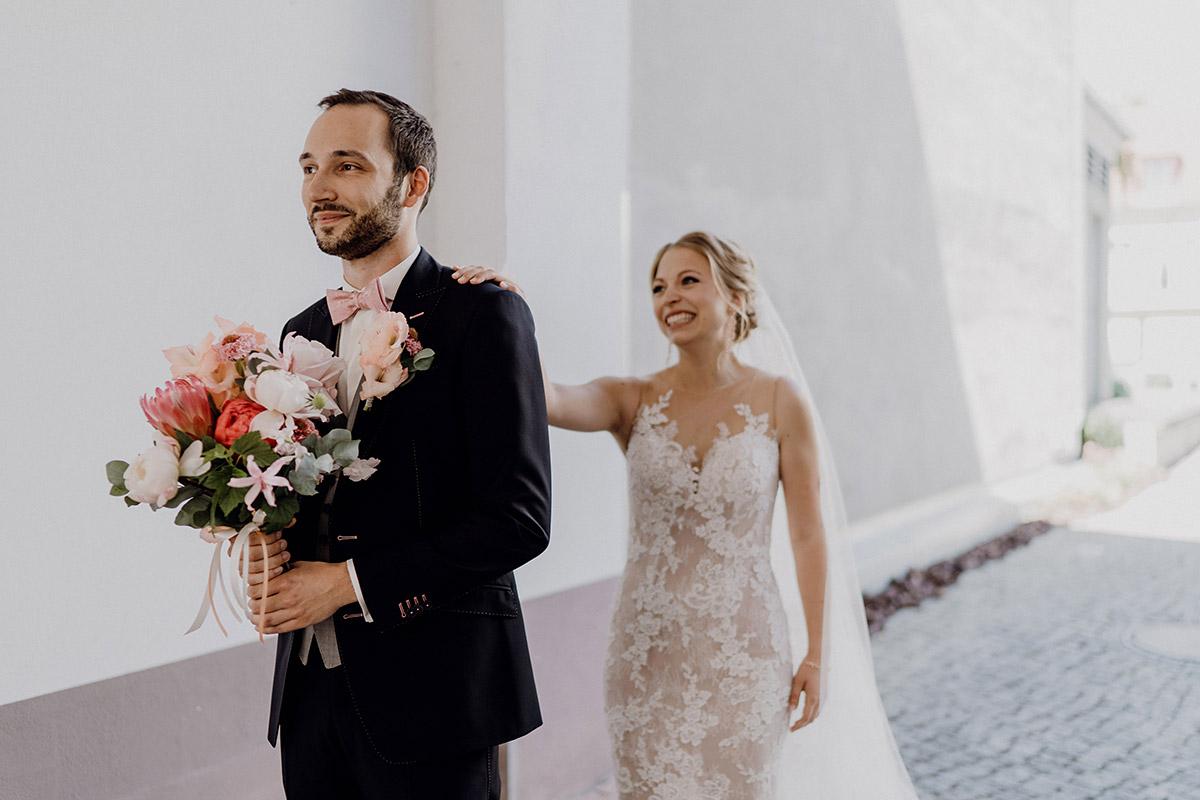 First Look Brautpaar - Schloss Glienicke Hochzeitsfotograf Potsdam © www.hochzeitslicht.de