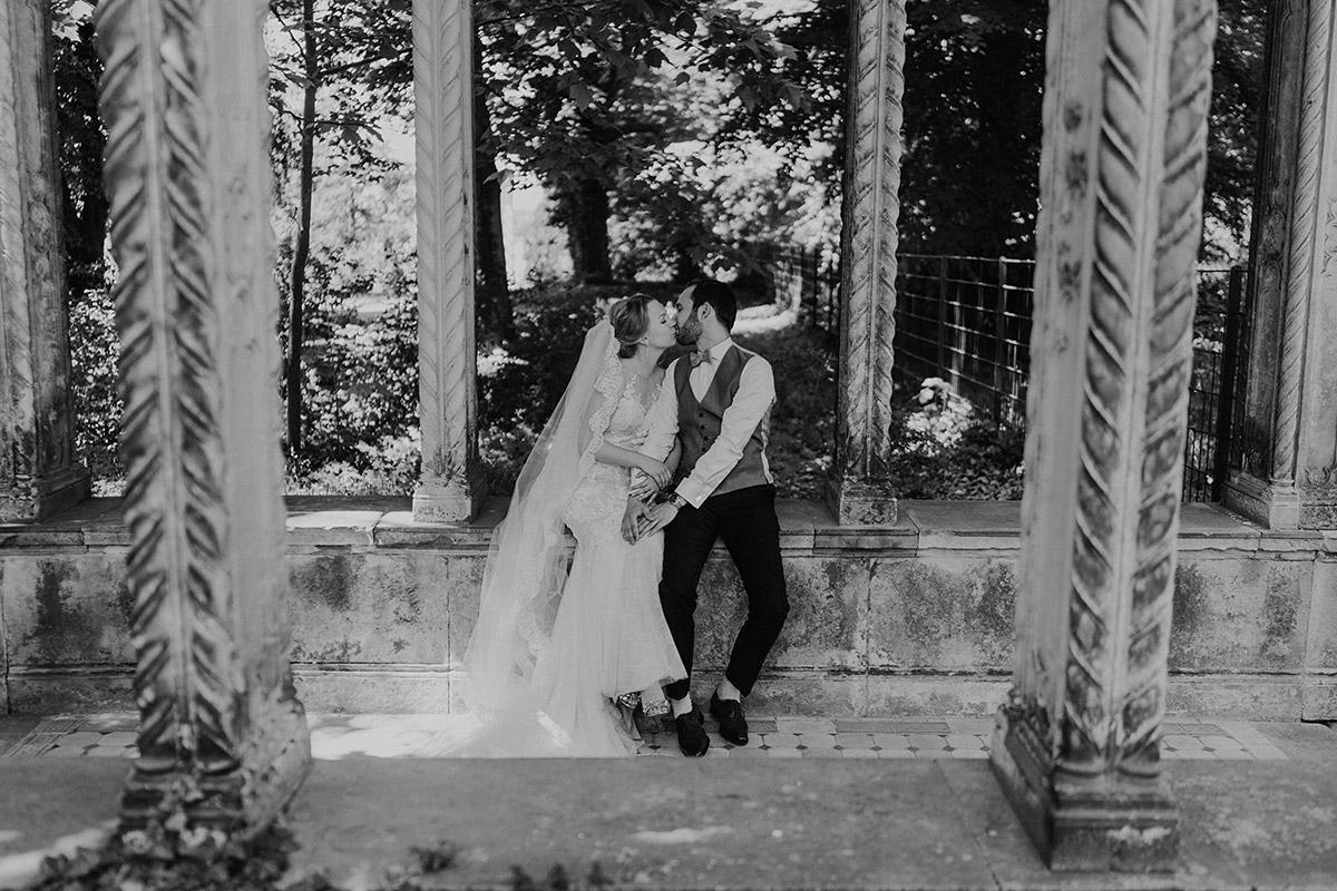 Hochzeitsfoto Brautpaar - Schloss Glienicke Hochzeitsfotograf Potsdam © www.hochzeitslicht.de