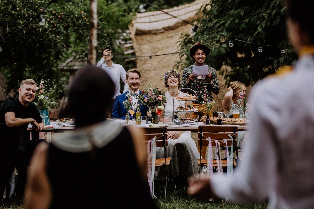 Hochzeitsreportage Boho Hochzeit Berlin Museumsdorf Düppel - Hochzeitsvilla Zehlendorf Berlin Hochzeitsfotograf © www.hochzeitslicht.de