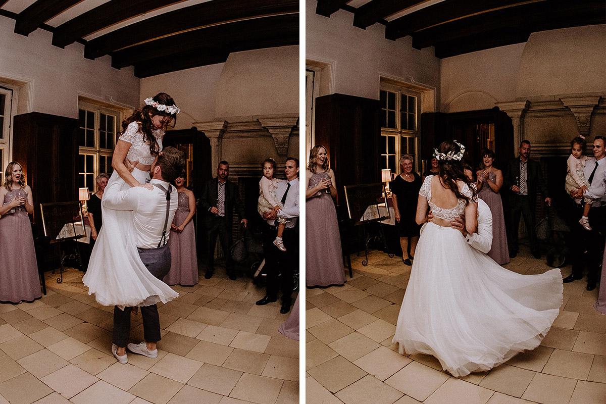 Hochzeitstanz Brautpaar - Schloss Kartzow Potsdam Hochzeitsfotograf © www.hochzeitslicht.de