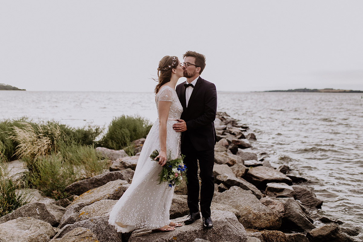 Hochzeitsfoto Brautpaar von Hochzeitsfotograf Ostsee - Seebrücke Sellin Rügen Hochzeitsfotograf © www.hochzeitslicht.de