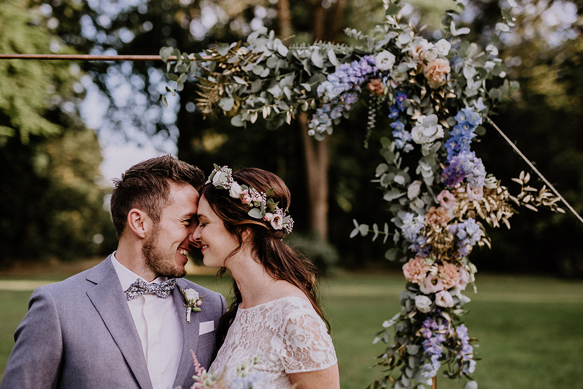 Heiraten unter freiem Himmel - Schloss Kartzow Potsdam Hochzeitsfotograf © www.hochzeitslicht.de