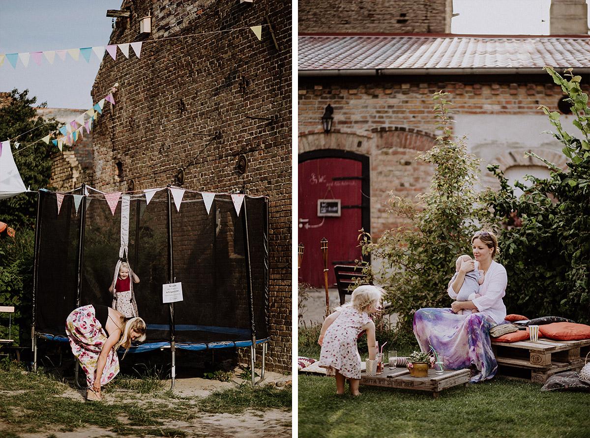 Entertainment Kinder bei Hochzeit - Vierseithofcafé Brandenburg Hochzeitsfotograf © www.hochzeitslicht.de