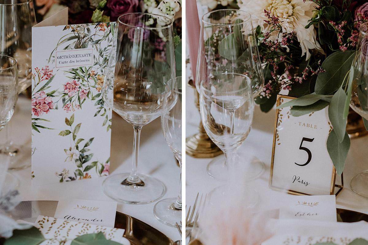 Hochzeit Menü mit Aquarell-Blumen und Blumen Tischdekortion klassische Hochzeit - Gut Schloss Golm Potsdam Hochzeitsfotograf © www.hochzeitslicht.de