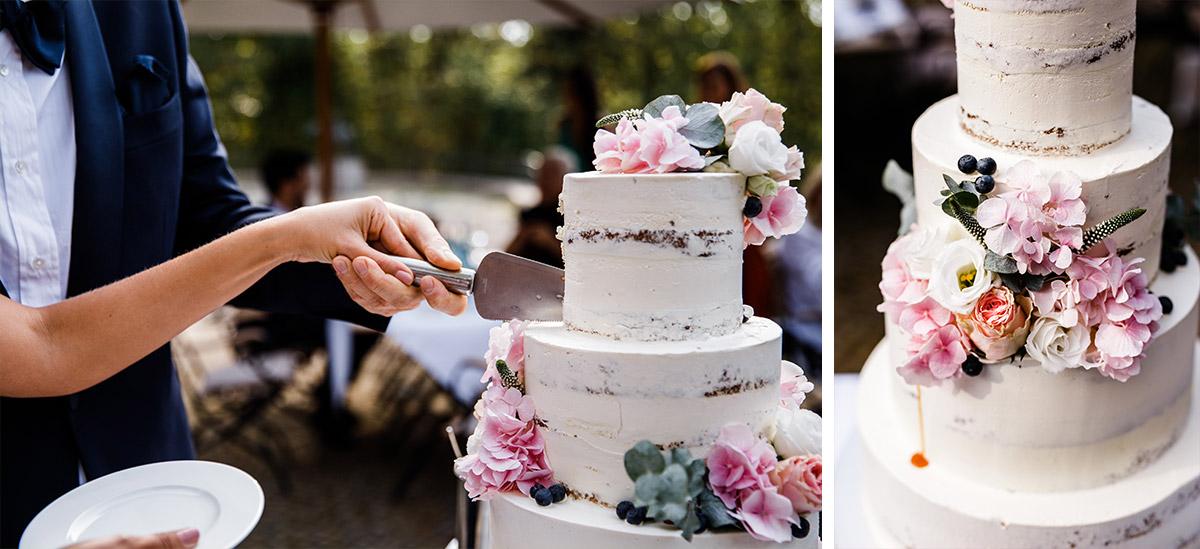 vierstöckige Hochzeitstorte Herbsthochzeit - Seehaus Schloss Liebenberg Hochzeitsfotograf © www.hochzeitslicht.de