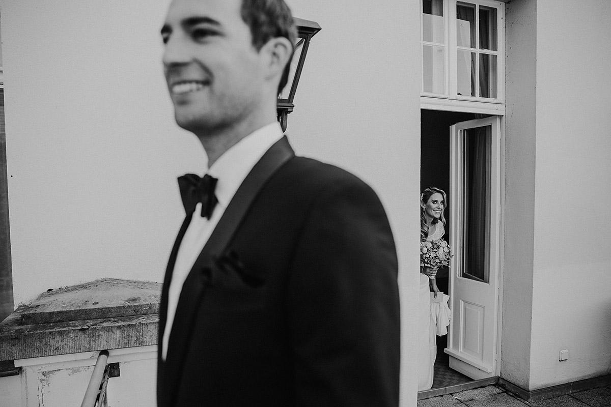 First Look Hochzeit Seehaus - Schloss Liebenberg Hochzeitsfotograf © www.hochzeitslicht.de