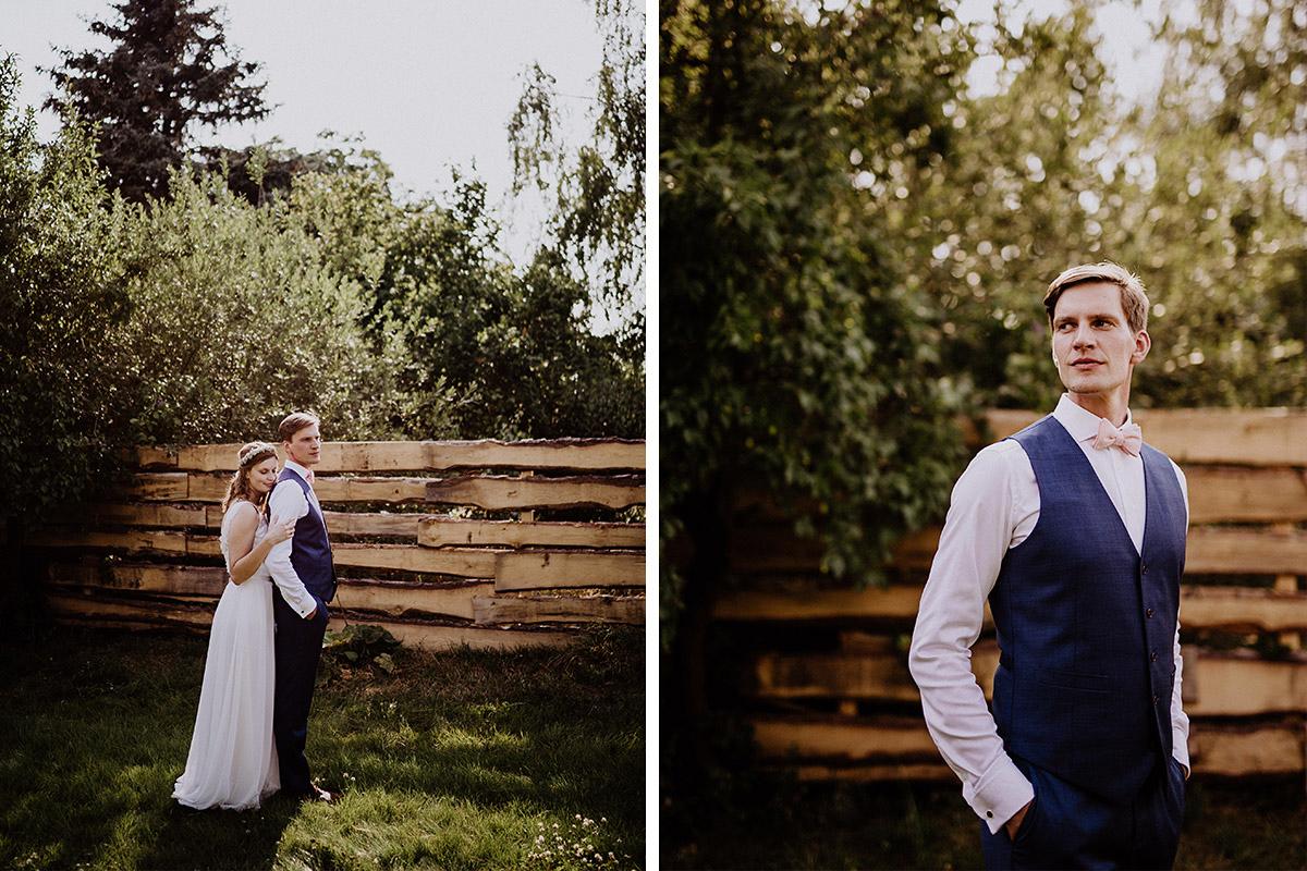 Hochzeitsfotos bei Landhochzeit - Vierseithofcafé Brandenburg Hochzeitsfotograf © www.hochzeitslicht.de