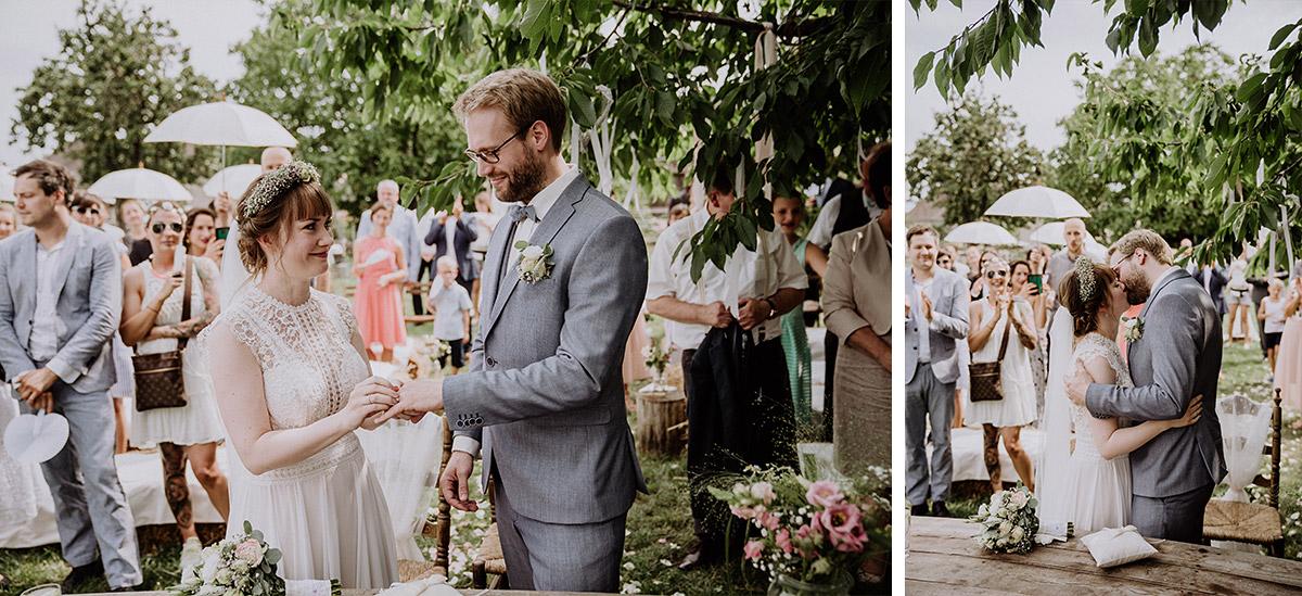 Hochzeitsfotografien bei Ja-Wort bei standesamtlicher Trauung - Vierseithofcafé Brandenburg Hochzeitsfotograf © www.hochzeitslicht.de