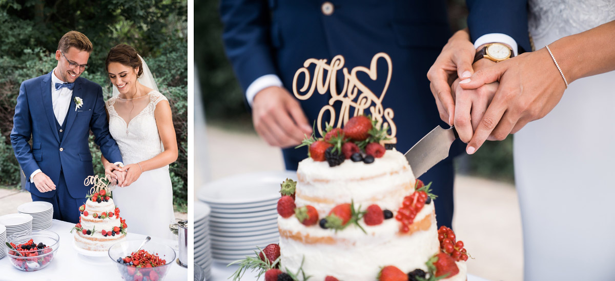 Anschneiden Sommer-Hochzeitstorte mit Beeren - Villa Blumenfisch Hochzeitsfotograf © www.hochzeitslicht.de