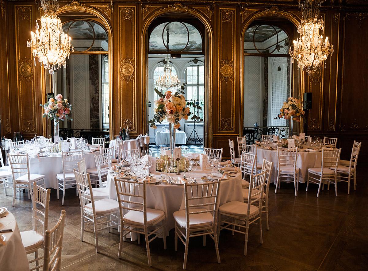 elegante Hochzeitsfeier Schlosshotel Grunewald - Schlosshotel Berlin Hochzeitsfotograf © www.hochzeitslicht.de