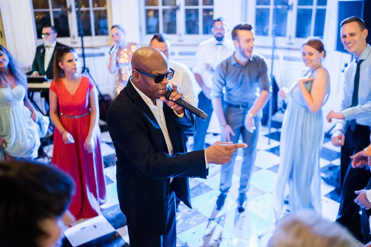 Livemusik Hochzeitsparty - Schlosshotel Berlin Hochzeitsfotograf © www.hochzeitslicht.de