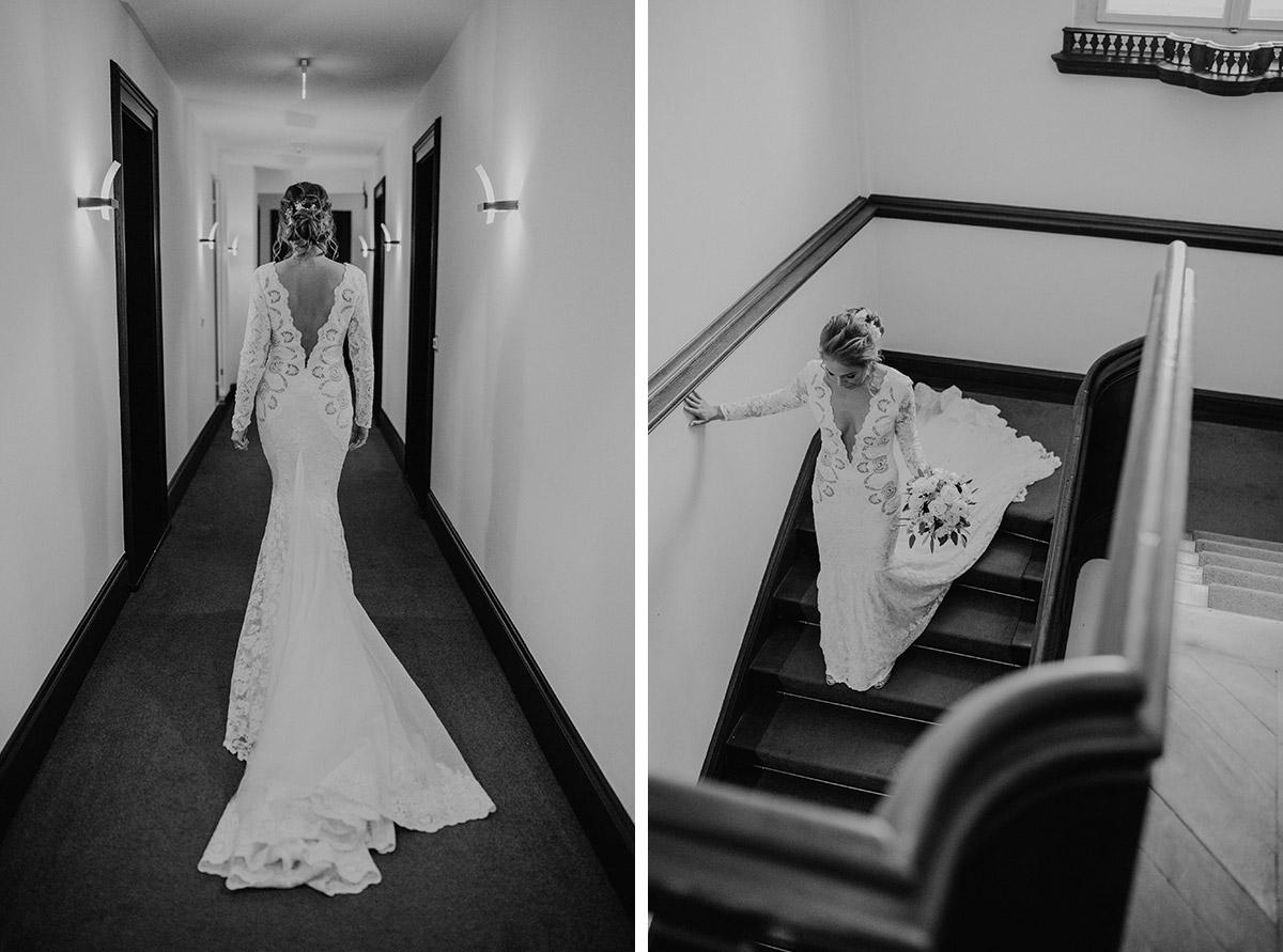 Olvis Meerjungfrau-Brautkleid tiefer Ausschnitt und Schleppe - Schloss Kartzow Hochzeitsfotograf © www.hochzeitslicht.de