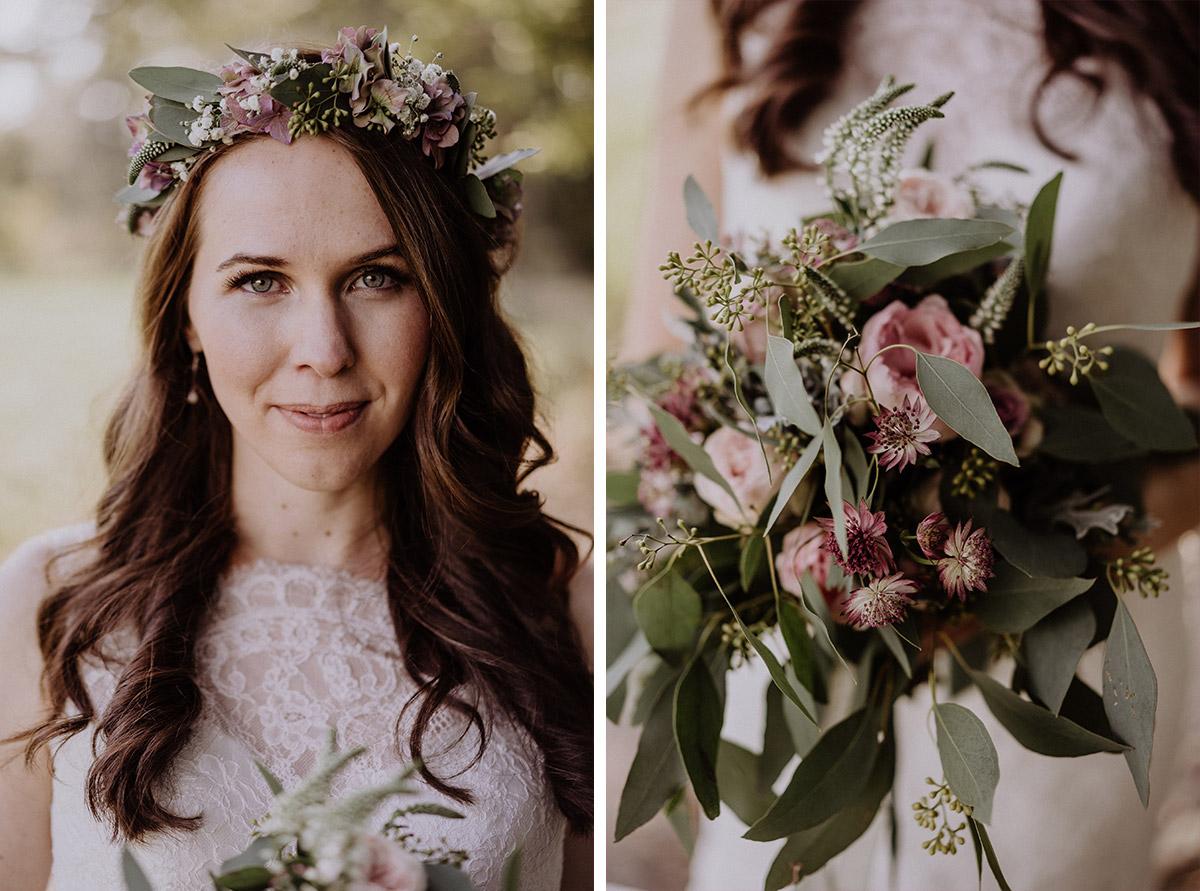 Brautstrauß und Blumenkranz Eukalyptus und rosa Blumen Herbsthochzeit - Spreewaldresort Seinerzeit Hochzeitsfotograf © www.hochzeitslicht.de