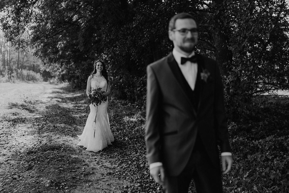 First Look Brautpaar - Spreewaldresort Seinerzeit Hochzeitsfotograf © www.hochzeitslicht.de