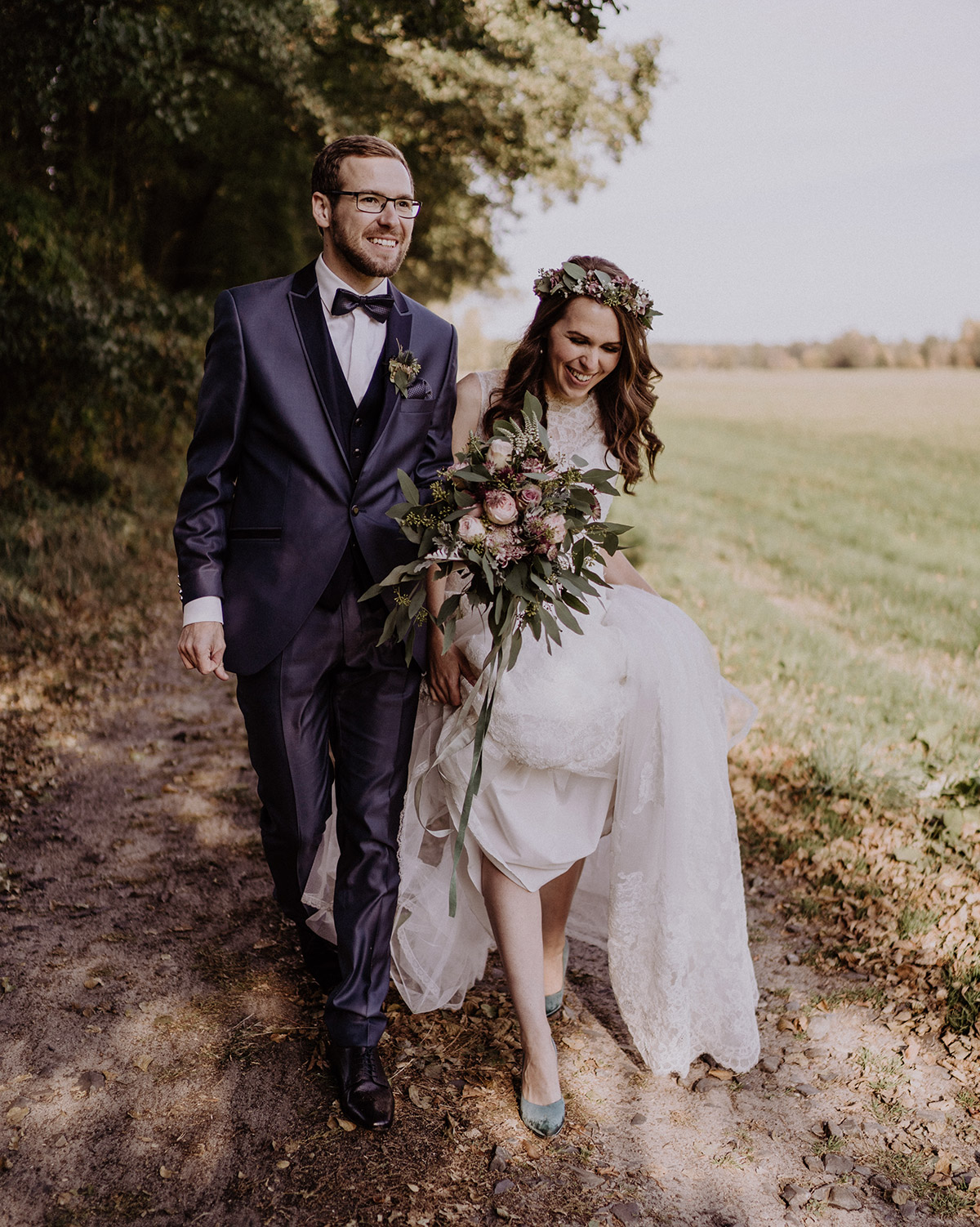 ungestelltes Hochzeitsfoto Landhochzeit - Spreewaldresort Seinerzeit Hochzeitsfotograf © www.hochzeitslicht.de