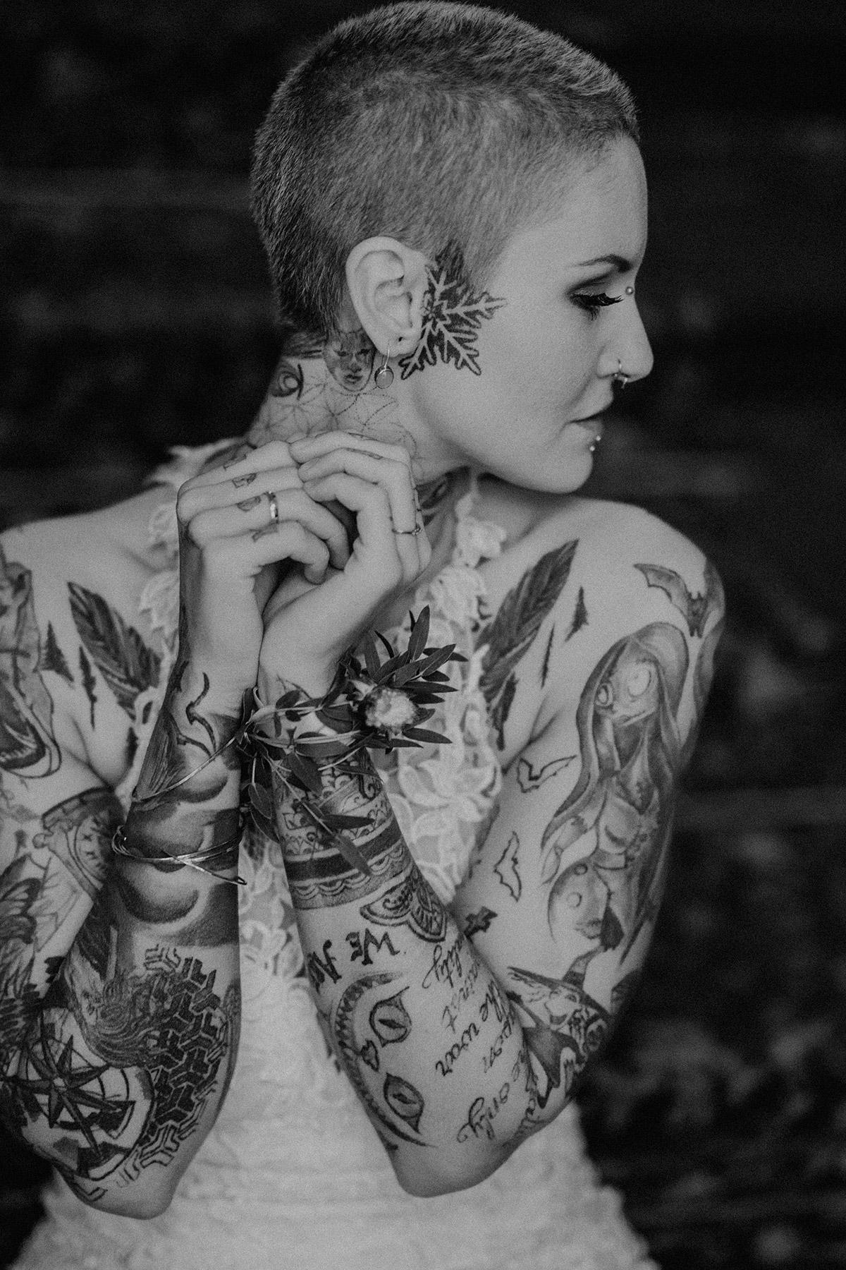 Braut Tattoos - The Grand Berlin Hochzeitsfotograf © www.hochzeitslicht.de
