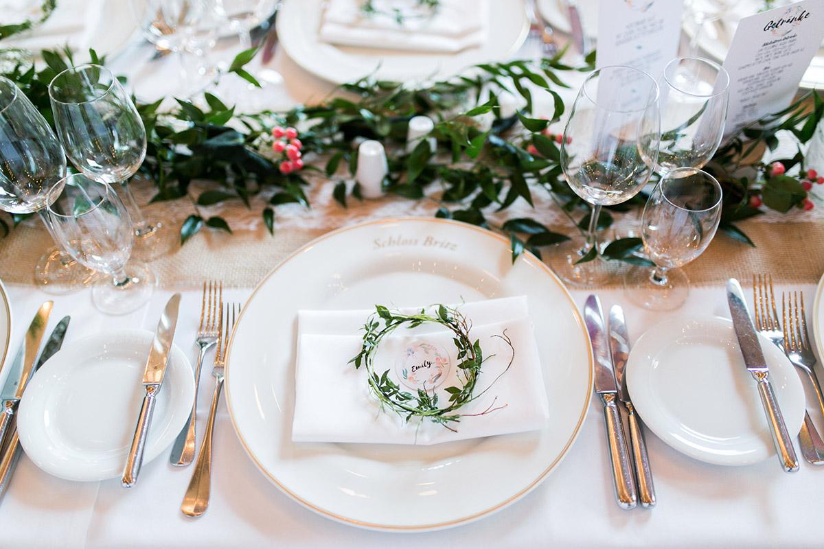 Hochzeitsfoto Papeterie Hochzeit Wasserfarben - Ochsenstall Schloss Britz Hochzeitsfotograf © www.hochzeitslicht.de