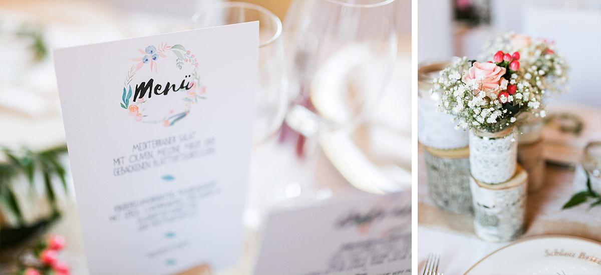 Tischdekoration Hochzeit Aquarell Tischkarte, Birke und frische Blumen - Ochsenstall Schloss Britz Hochzeitsfotograf © www.hochzeitslicht.de