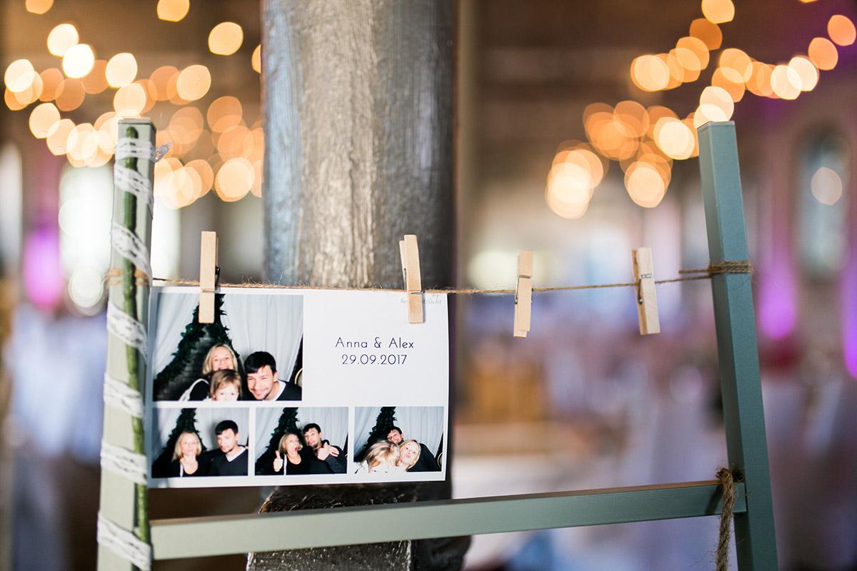 Fotowand Hochzeit - Ochsenstall Schloss Britz Hochzeitsfotograf © www.hochzeitslicht.de