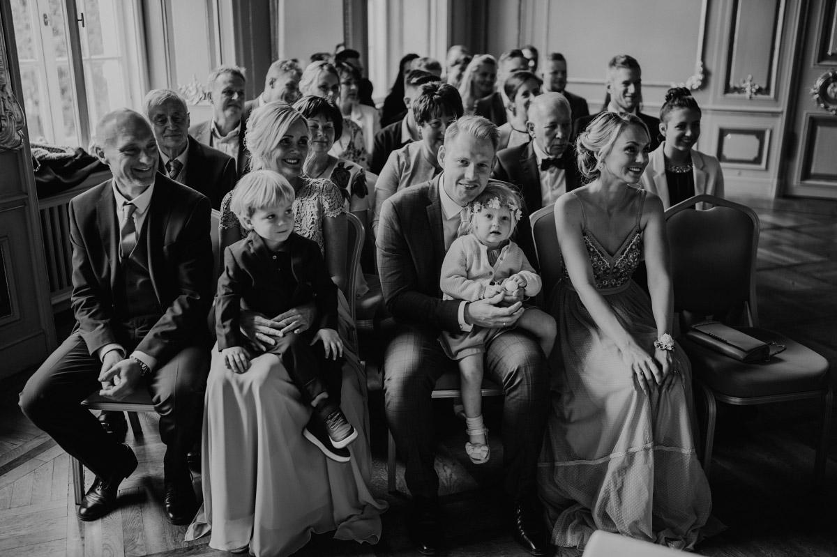 Hochzeitsgäste Trauung Ermelerhaus - Spreespeicher Berlin Friedrichshain Hochzeitsfotograf © www.hochzeitslicht.de