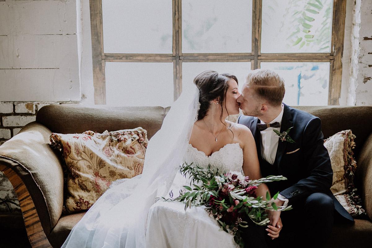 romantisches Brautpaarfoto Von Greifswald Hochzeit - Von Greifswald Berlin Hochzeitsfotograf © www.hochzeitslicht.de