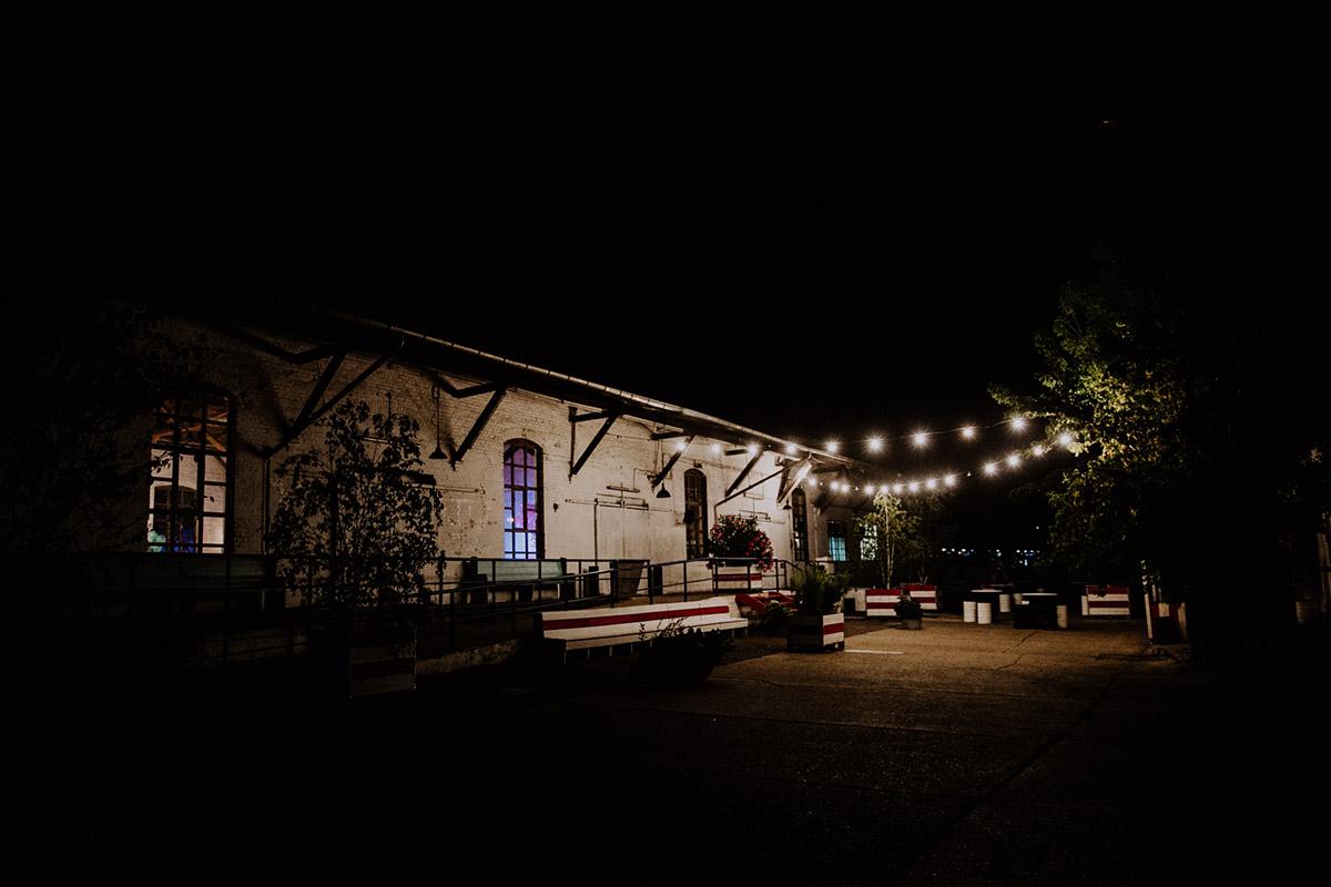 Hochzeitslocation - Von Greifswald Berlin Hochzeitsfotograf © www.hochzeitslicht.de