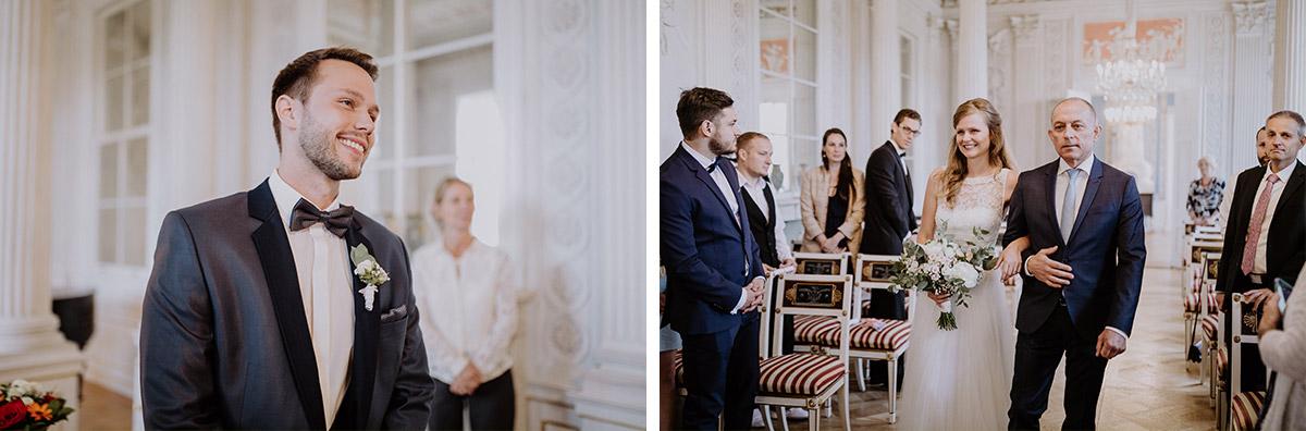 Hochzeitsfotos Einzug Braut - Schloss Friedrichsfelde Hochzeitsfotograf © www.hochzeitslicht.de