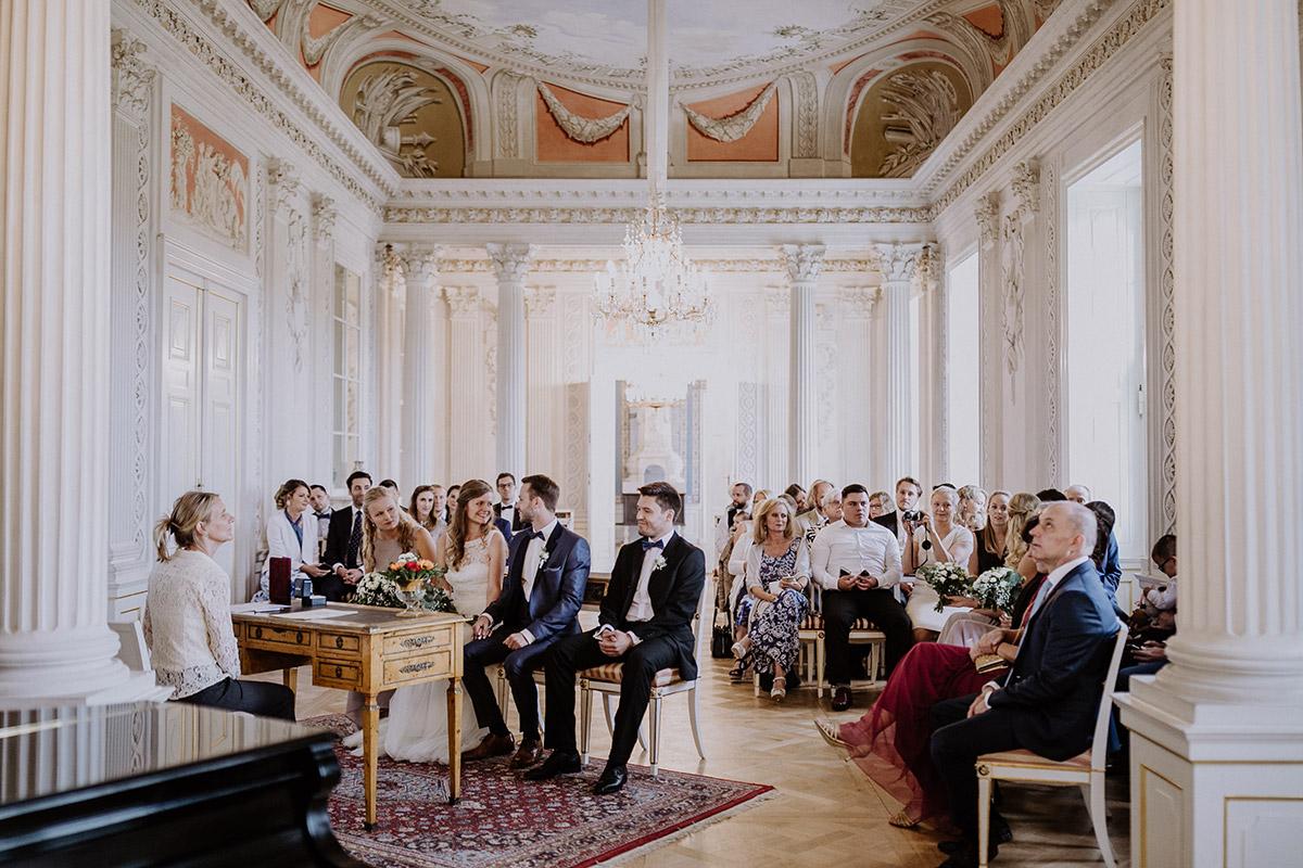 Hochzeitsreportagefoto Trauungszeremonie - Schloss Friedrichsfelde Hochzeitsfotograf © www.hochzeitslicht.de