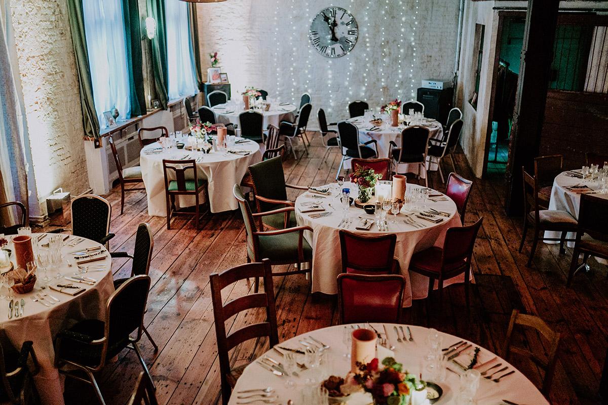 Hochzeitslocation Berlin Friedrichshain - Old Smithy's Dizzle Alte Schmiede Berlin Hochzeitsfotograf © www.hochzeitslicht.de