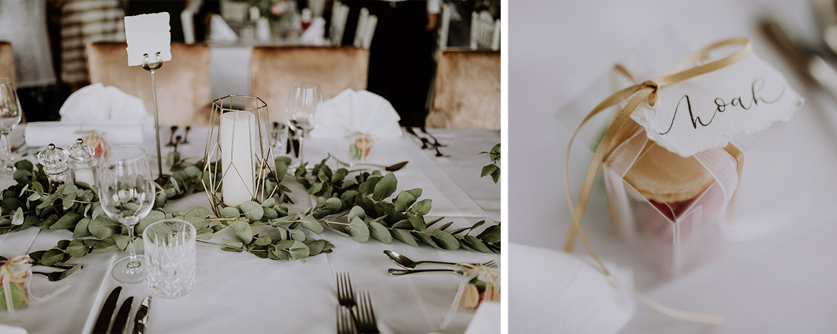 Dekoration Sommerhochzeit mit Kalligraphie, Eukalyptus und Gold - Schloss Friedrichsfelde Hochzeitsfotograf © www.hochzeitslicht.de