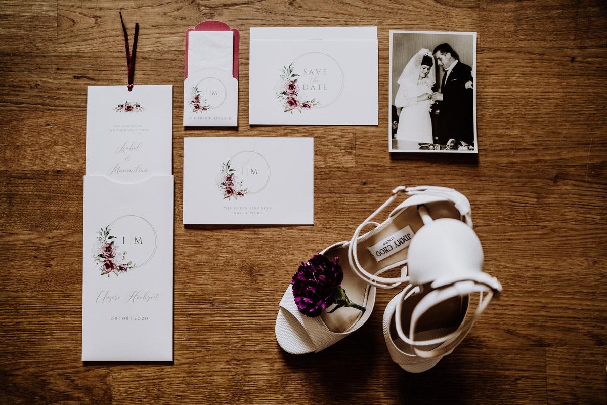 Idee Hochzeitsfoto Papeterie Hochzeit - Hochzeit im Hotel de Rome von Hochzeitsfotograf Berlin © www.hochzeitslicht.de #hochzeitslicht