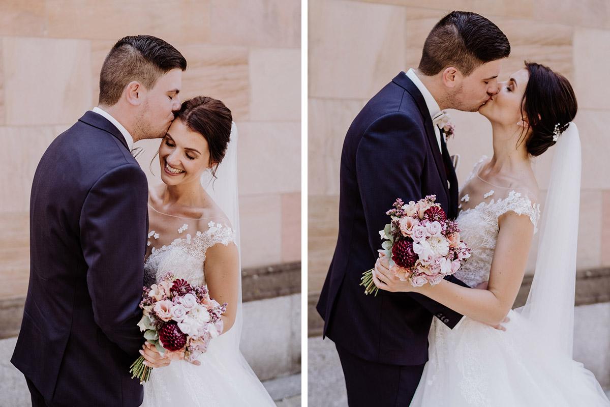 Bildideen Fotoshooting nach kirchlicher Trauung Berlin Mitte - Hochzeit im Hotel de Rome von Hochzeitsfotograf Berlin © www.hochzeitslicht.de #hochzeitslicht