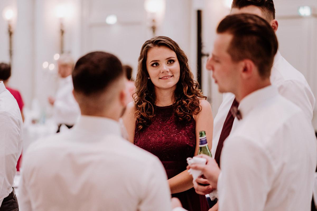 Foto Gäste Hochzeitsfeier - Hochzeit im Hotel de Rome von Hochzeitsfotograf Berlin © www.hochzeitslicht.de #hochzeitslicht
