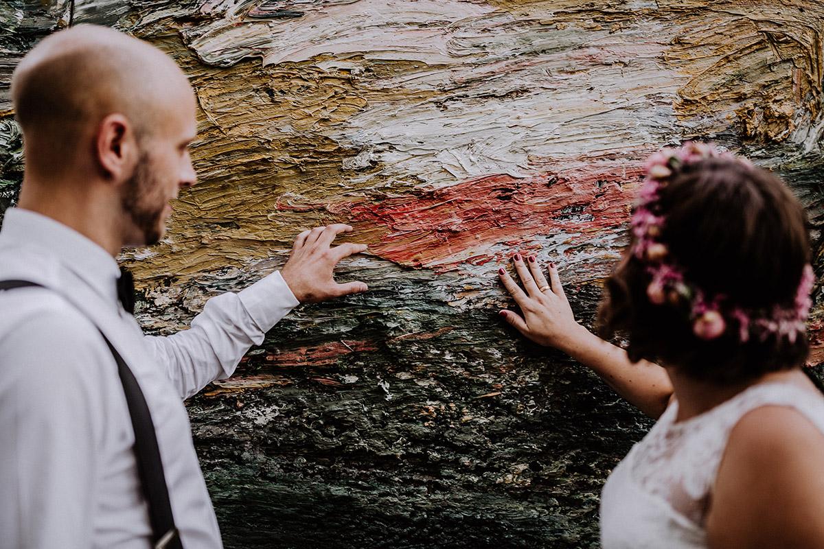 Idee künstlerische Hochzeitsfotografie Braut und Bräutigam Hochzeit Standesamt - Hochzeitsfotograf Standesamt Rathaus Schöneberg © www.hochzeitslicht.de
