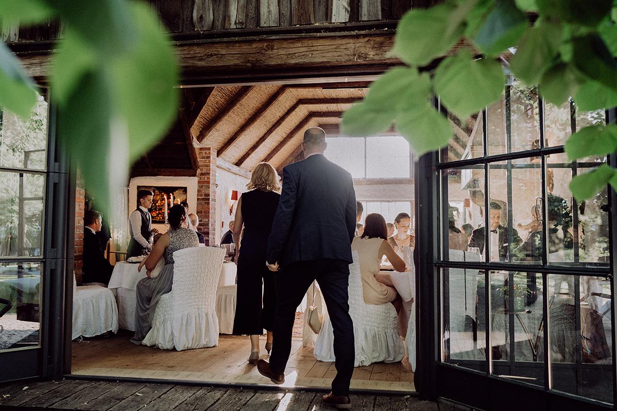 Hochzeitslocation Landhochzeit Spreewald - vintage Spreewaldhochzeit Hotel zur Bleiche Hochzeitsfotograf und Hochzeitsvideo Berlin © www.hochzeitslicht.de