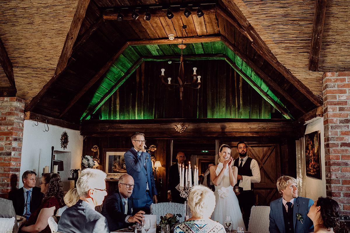 Hochzeitsfeier rustikal elegant Landhochzeit - vintage Spreewaldhochzeit Hotel zur Bleiche Hochzeitsfotograf und Hochzeitsvideo Berlin © www.hochzeitslicht.de