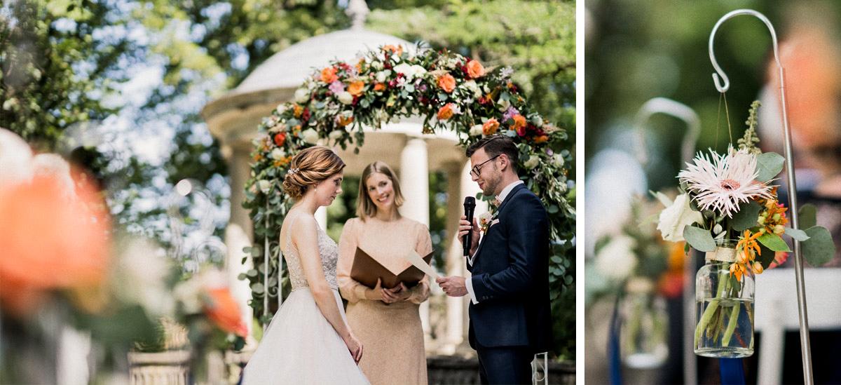 Idee Hochzeitsblumen Traubogen freie Trauung Sommerhochzeit - Schloss Blankensee Hochzeit Hochzeitsfotograf Berlin © www.hochzeitslicht.de