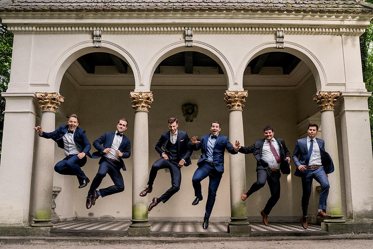 Idee lustiges Gruppenfoto - Schloss Blankensee Hochzeit Hochzeitsfotograf Berlin © www.hochzeitslicht.de