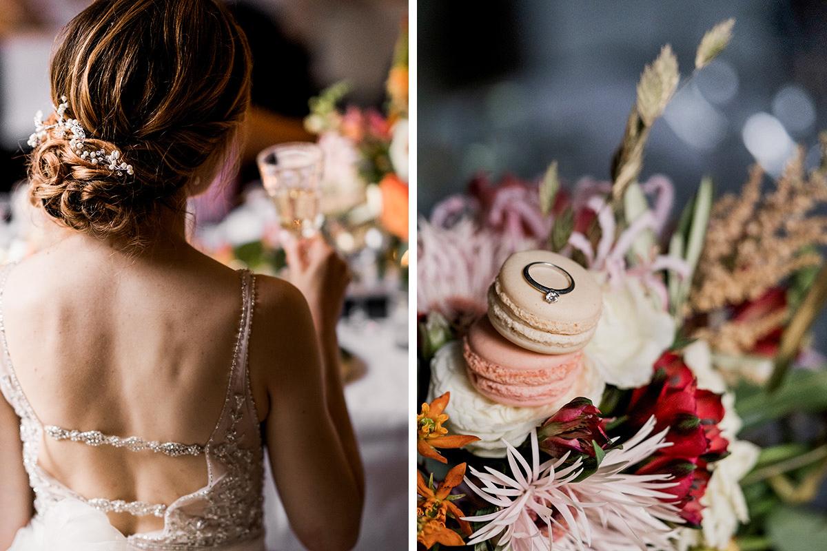 Hochzeitsfoto Braut Hochzeitskleid mit Perlen bestickt und Ehering Weißgold auf Blumen - Schloss Blankensee Hochzeit Hochzeitsfotograf Berlin © www.hochzeitslicht.de