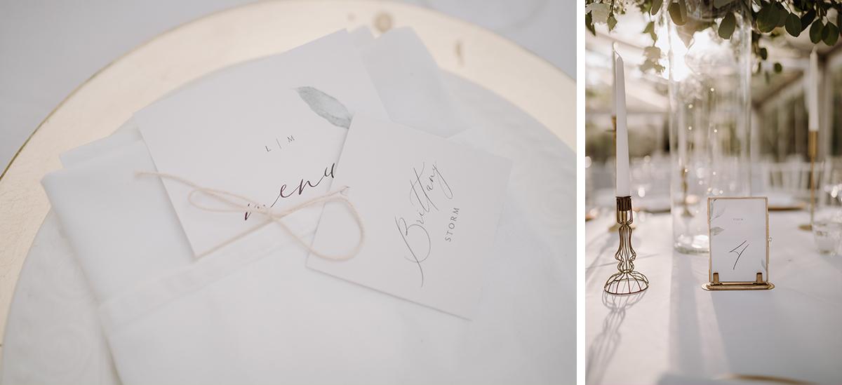 Ideen Tischkarten Tischdeko klassische Hochzeit weiß gold Kalligrafie - elegante deutsch-russisch-amerikanische Schloss Steinhöfel Hochzeit von Hochzeitsfotograf Brandenburg © www.hochzeitslicht.de