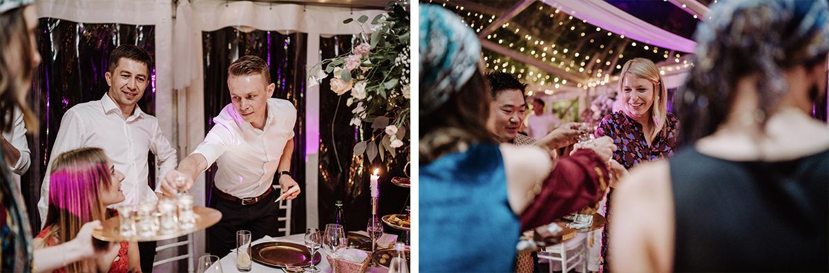 Hochzeitsfotos Hochzeitsparty Zelthochzeit - elegante deutsch-russisch-amerikanische Schloss Steinhöfel Hochzeit von Hochzeitsfotograf Brandenburg © www.hochzeitslicht.de