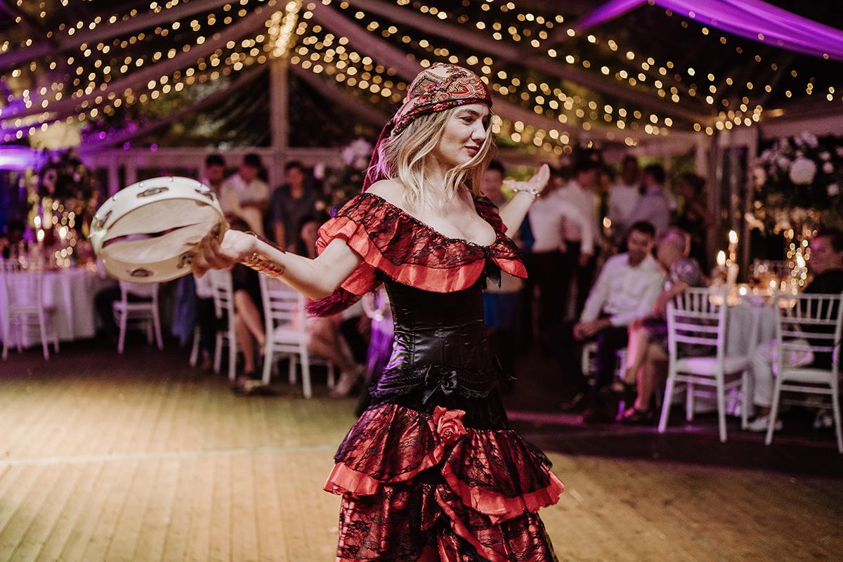 Hochzeitsfotografie Hochzeitsparty stilvolle Hochzeit Zelt - elegante deutsch-russisch-amerikanische Schloss Steinhöfel Hochzeit von Hochzeitsfotograf Brandenburg © www.hochzeitslicht.de