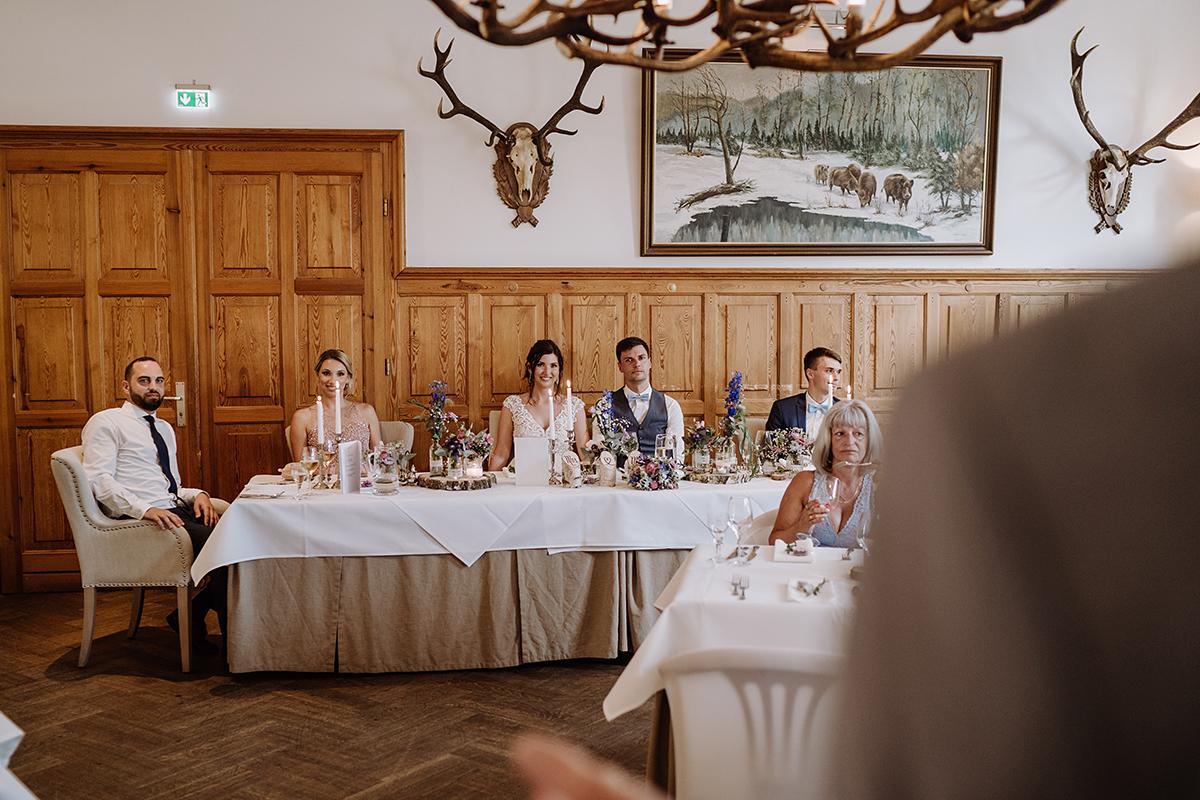 Hochzeitsfoto Hochzeitsfeier rustikal elegante Landhochzeit - Spreewald Hochzeitsfotografin im Standesamt Weidendom Hochzeit am Wasser im Spreewaldresort Seinerzeit © www.hochzeitslicht.de
