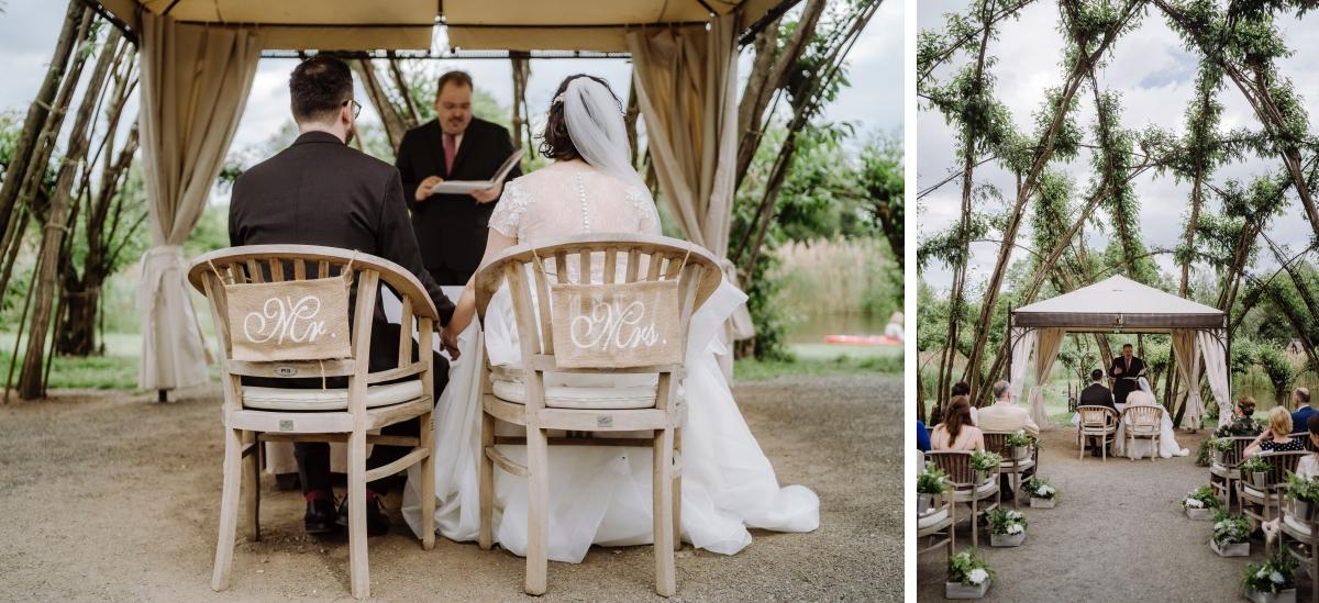 Hochzeitsfoto Trauung standesamt draußen - Standesamt vintage Hochzeitsfotograf im Spreewald Brandenburg im Weidendom des Spreewaldresort Seinerzeit und im Spreewood Distillers © www.hochzeitslicht.de