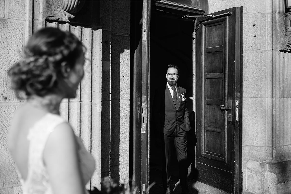 Idee Hochzeitsfoto First Look Standesamt-Hochzeit - Hochzeitsfotograf Berlin Standesamt Hochzeit im Winter im Rathaus Schöneberg © www.hochzeitslicht.de