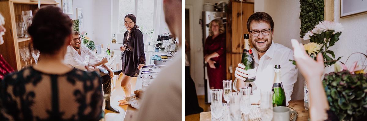 Hochzeitsreportage urbane Berlinhochzeit Vorbereitungen Hochzeit zu Hause - Standesamt Berlin Pankow Hochzeitsfotografin auf urbane DIY Gartenhochzeit in Berlin Friedrichshain #hochzeitslicht © www.hochzeitslicht.de