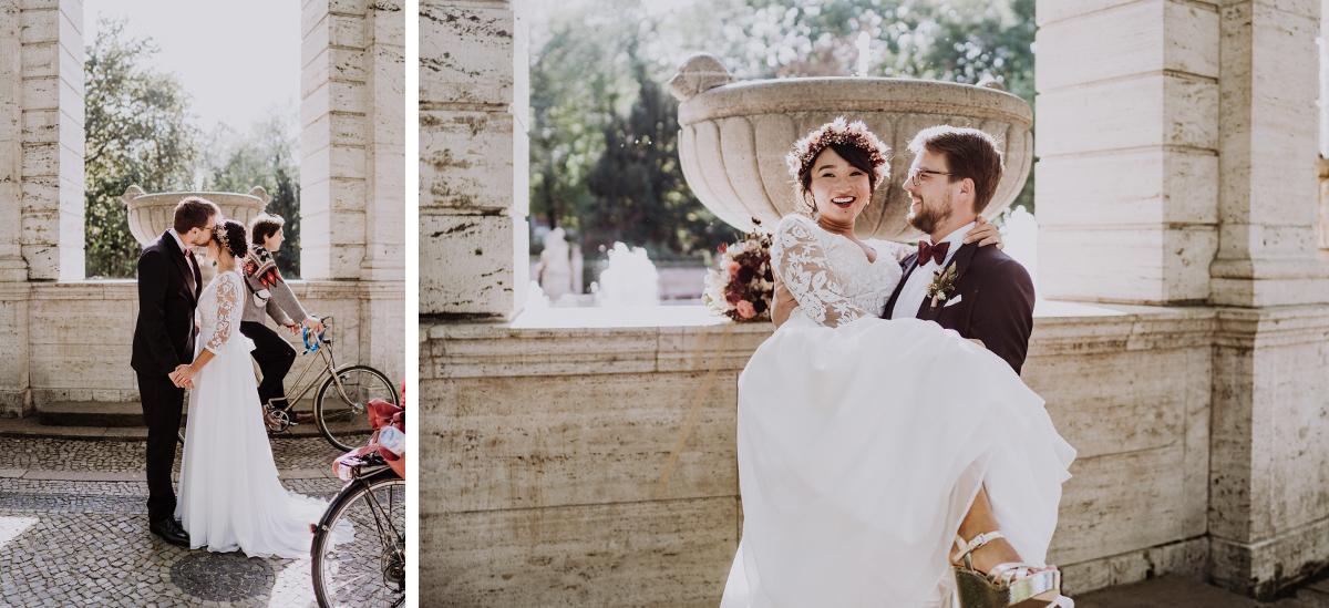 Fotograf Hochzeit Tipps Paarfotos natürlich fröhlich - Standesamt Berlin Pankow Hochzeitsfotografin auf urbane DIY Gartenhochzeit in Berlin Friedrichshain #hochzeitslicht © www.hochzeitslicht.de