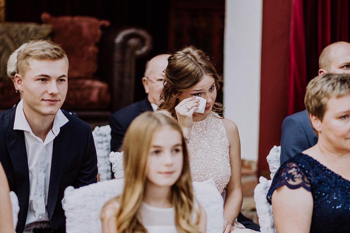 emotionale Hochzeitsreportage Spreewald - Winterhochzeit von Hochzeitsfotograf Brandenburg - standesamtlich im Hotel zur Bleiche heiraten © www.hochzeitslicht.de #hochzeitslicht